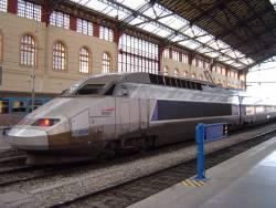 Train crash near Paris kills six